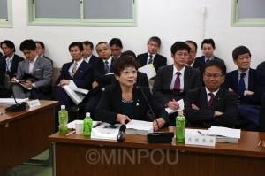 特別区設置「協定書」の議決に際し、意見表明する山中大阪市議=13日、府庁内