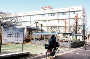 来年3月末の閉院が迫る住吉市民病院(大阪市住之江区内)。「医療空白」に住民の不安が高まっています。