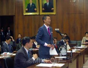 衆議院法務委員会で質問に立つ清水氏=4月22日