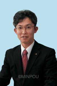 上原けんさく(50)現  市議3期。市議会総務副委員長、文教委員など歴任。東大阪革新懇事務局。