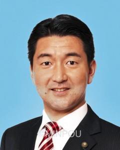 大阪市長選で共産党が自主支援する柳本顕氏