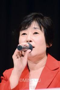 公開討論で「対立と混乱の政治にピリオドを」と訴えるくりはら知事候補=10月25日、大阪市阿倍野区内