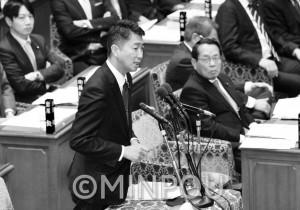 衆院予算委員会で質問する清水氏=2月22日、国会内