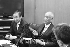 茨木市長選挙への出馬を表明する末武和美氏=8日、茨木市役所内