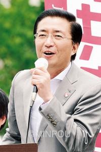 訴える山下芳生副委員長