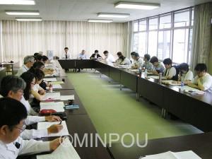 国保広域化に向けて共産党府議団は市町村議員団と懇談しました=16日、大阪市中央区内