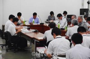 「総合区」の素案の内容が報告された第4回「副首都推進本部会議」=22日、府庁内
