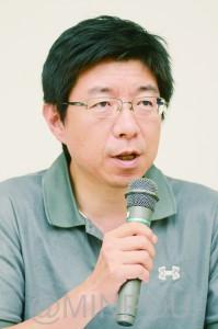 報告する駒井氏