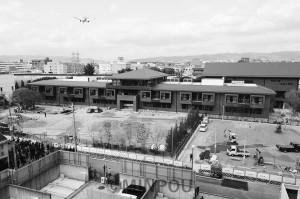 学校法人森友学園の小学校建設現場(豊中市)。工事途中の10日、籠池理事長は認可申請を取り下げました