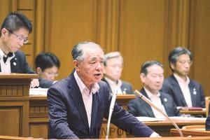 反対討論に立つ瀬戸議員