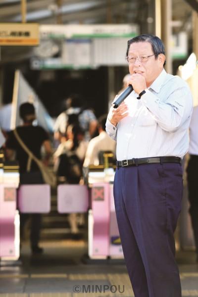 竹山市長、早朝の駅立ちで訴え