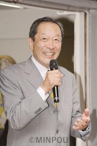 250人の聴衆に語りかける服部候補=1日、茨木市内