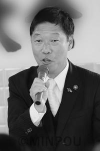 市政改革のビジョンを語るしぎ芳則市長=12日、岸和田市内