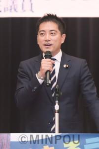 憲法9条を守るたたかいの先頭に立ち、共同の発展、参院選勝利へ全力を尽くすと語る辰巳さん=16日、大阪市中央区内