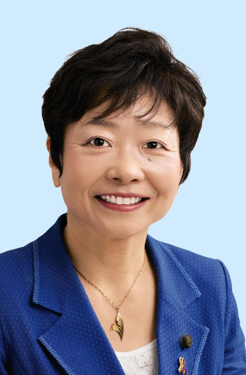 山中 智子