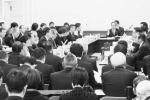 自民党の動議をめぐって紛糾した第20回法定協=1月29日、府庁内