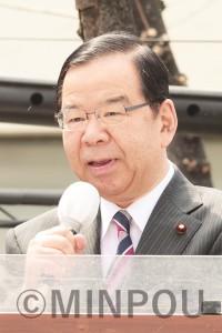 訴える志位委員長=3月31日、東大阪市内