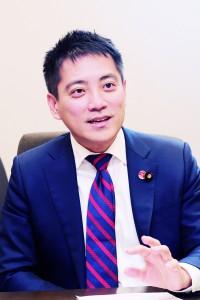 日本共産党参院議員 たつみコータロー氏