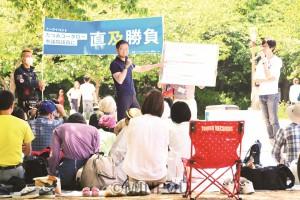 たつみ議員と政治を語り合ったトークイベント=5日、大阪市西区内