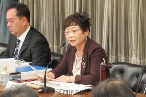 意見表明する山中智子大阪市議=11月22日、大阪市役所内