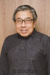 住民投票の結果を受けて語る小西禎一さん=9日、吹田市の自宅で